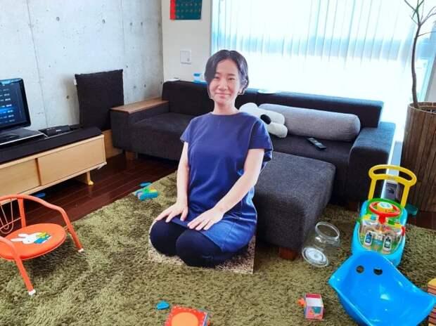 Мама из картона: гениальная идея японки восхитила пользователей соцсетей