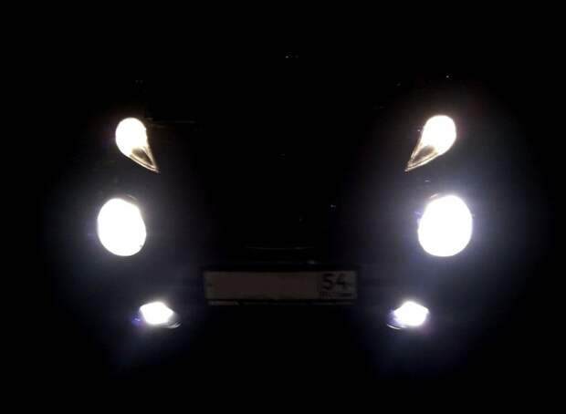Наверное, хорошо освещают дорогу.   Фото: drive2.ru.