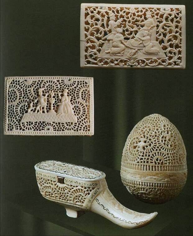 Коробочки «Суд царя Соломона», «Курильщики», «Коробочка-туфелька», «Коробочка-яйцо». Вторая половина XVIII века Моржовый клык, Ажурная, рельефная резьба, гравировка