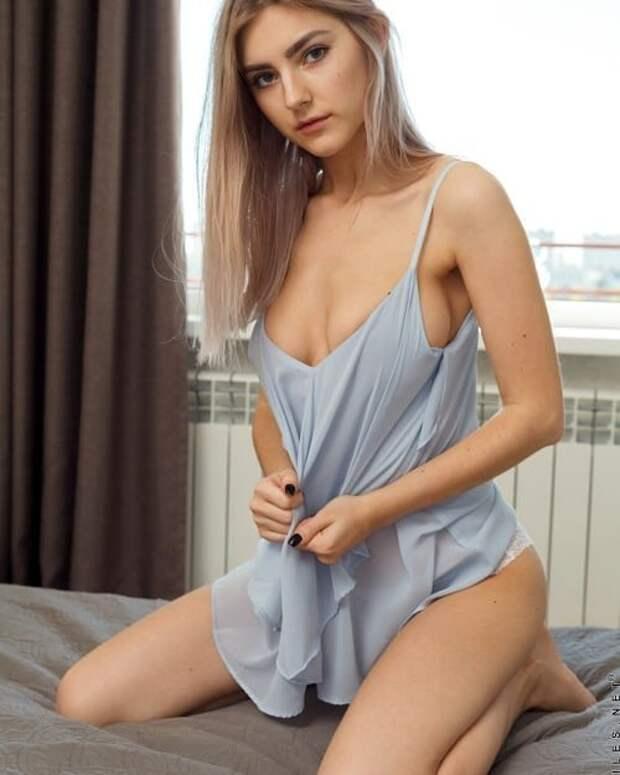 Eva Elfie 1
