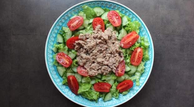 Зеленый салат с тунцом. Шаг 3