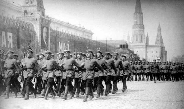 Парад на Красной площади.  1 мая 1926 года. Кинохроника