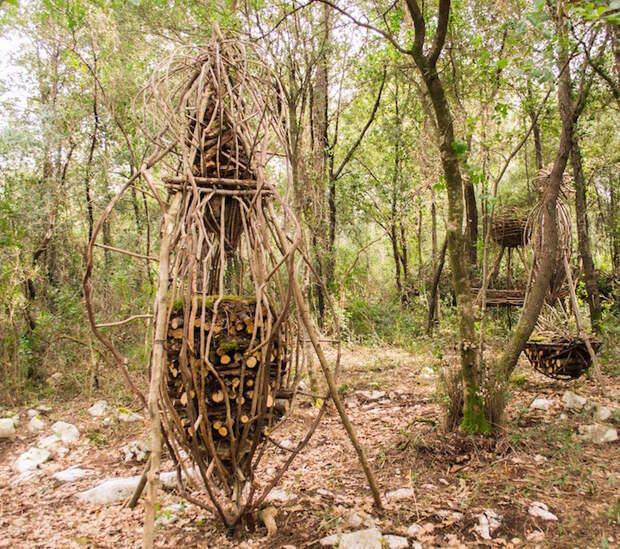 Таинственный мир органических скульптур в лесу на снимках Спенсера Булиса