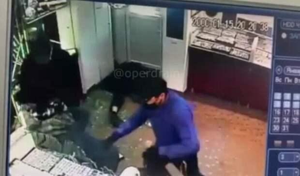 В Ижевске ювелирный магазин ограбили на 20 млн рублей