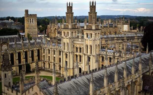 Оксфордский университет заявил о безопасности вакцины AstraZeneca