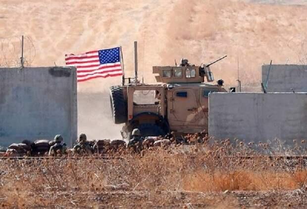 Появилось видео нападения боевиков на базу ВМС США в Кении