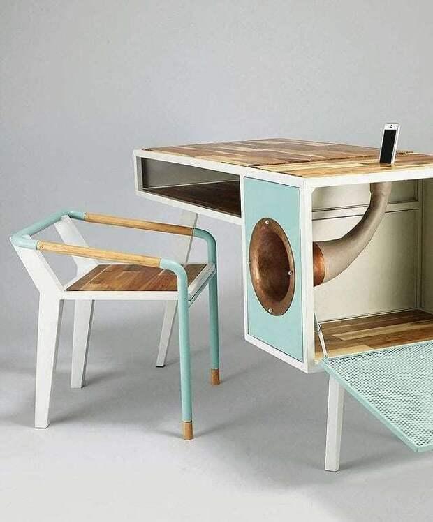 Стол для меломана