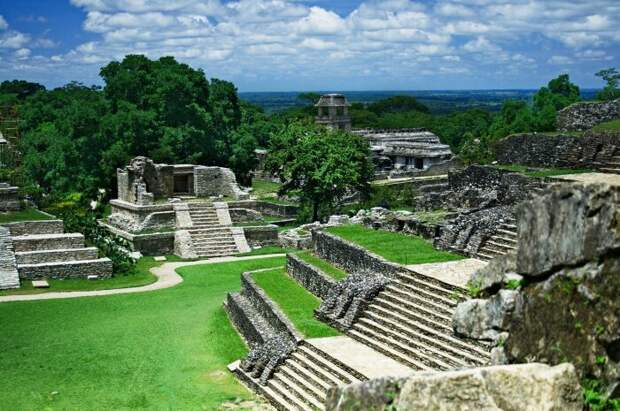 Образец классической мезоамериканской архитектуры. \ Фото: en.wikipedia.org.