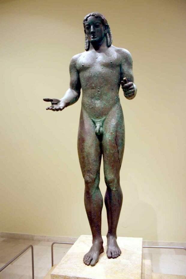 Вот вам и Аполлон во всей красе со всеми причиндалами археология, история, расследование, тайны