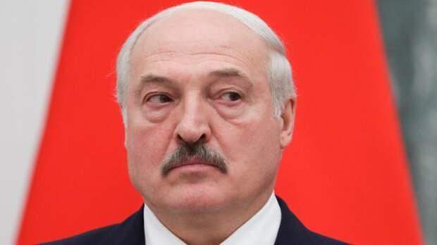 Лукашенко: Беларусь готова жестко ответить Западу в случае угрозы