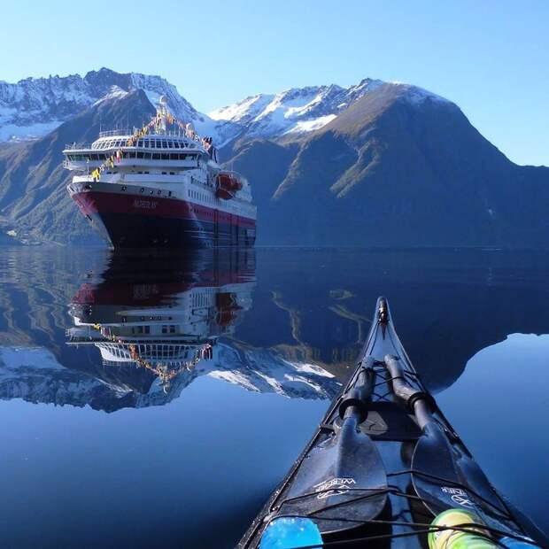 Каякер делает потрясающие фотографии норвежских фьордов ипубликует ихвInstagram