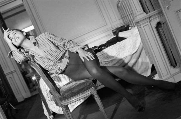 Чертовски сексуальная Моника Белуччи. 1990 год.