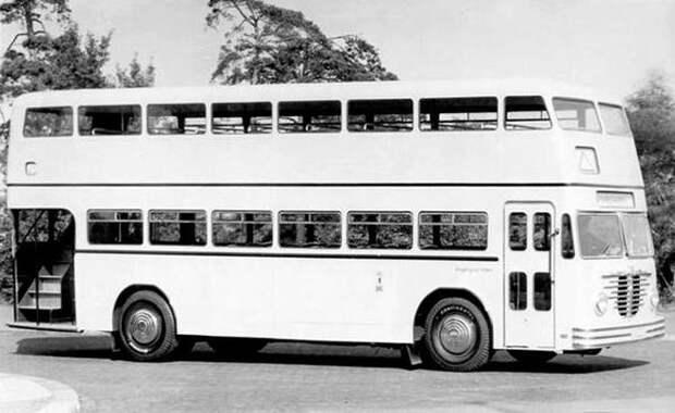 В фильме запечатлен автобус Büssing D2U, но не совсем обычной модификации. Вот так выглядит обычный автобус этой марки. СССР, авто, автобус, кино, москва, общественный транспорт, троллейбус