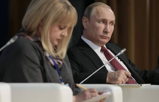 «Сама страна начинает поправлять власть. Пока нежно»