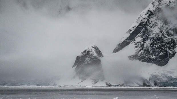 Радиация в Антарктиде продолжает распространяться: заражено уже 50 квадратных километров