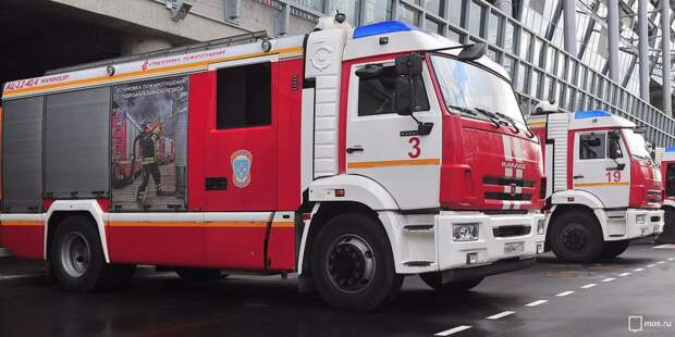 Загоревшийся мусор на Нижней тушили пожарные