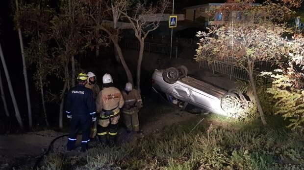 В Судаке опрокинулся легковой автомобиль, есть пострадавшие