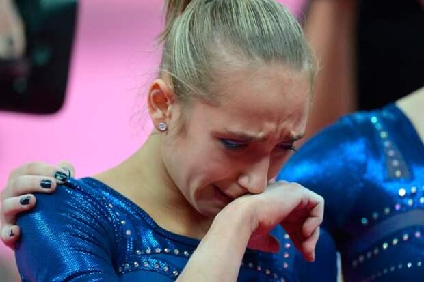 Пока у российских гимнастов в индивидуальных видах с медалями не складывается. Но впереди еще 7 финалов из 10