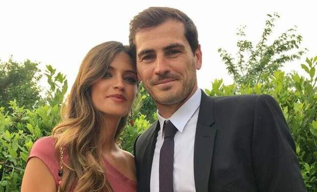 Футболист Икер Касильяс и телеведущая Сара Карбонеро подтвердили слухи о расставании