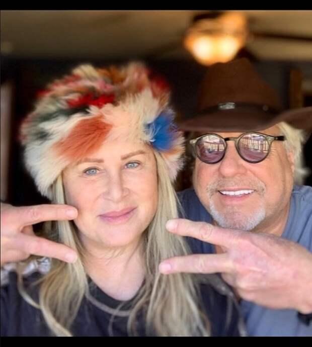 Келли Стоун с супругом Брюсом