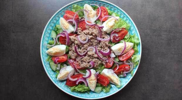 Зеленый салат с тунцом. Шаг 4