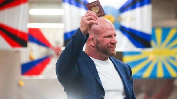 10 иностранных знаменитостей с российским гражданством