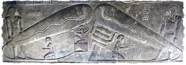 Лампа Дендеры. Барельефы египетского храма.