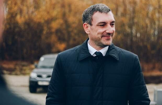 Василий Орлов спасенному коту несказанно рад.