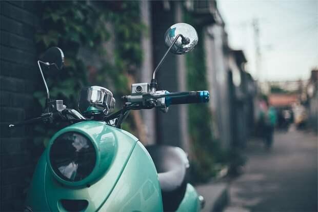 """В Хорошевке """"Вольво"""" сбил мотоциклиста"""