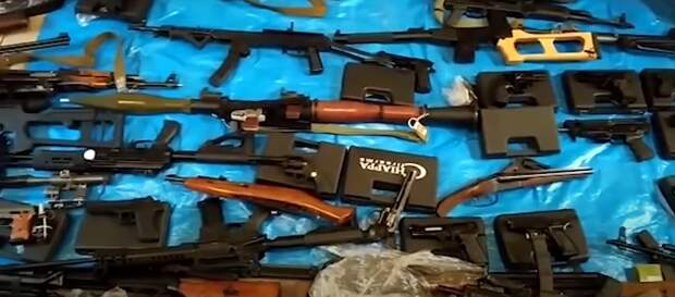 Жители Удмуртии оказались причастными к незаконной продаже оружия в разных регионах России