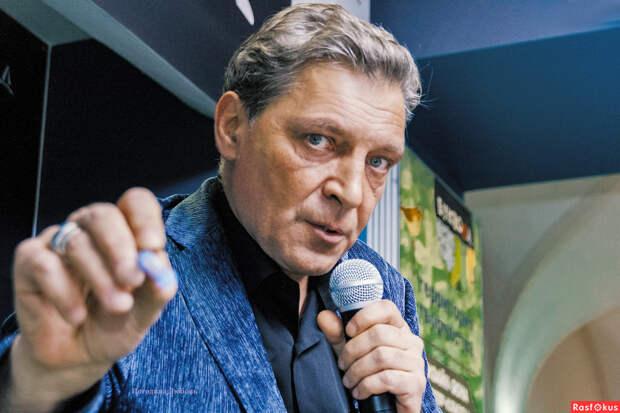 Невзоров считает, что Габуния лишь «обслюнявил» Путина, а причинить боль не смог