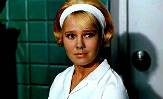 Забвение в алкоголе и трагический уход одной из самых красивых актрис СССР - Светлана Савелова.