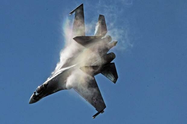 """Истребитель Су-35 назвали """"ночным кошмаром"""" для ВВС США"""
