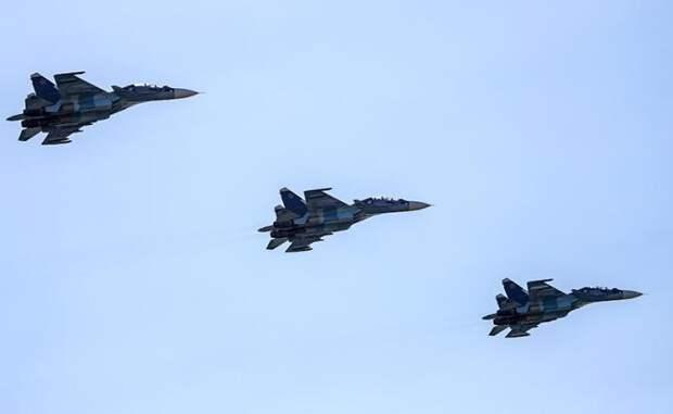 Страшный сон Израиля и США: армада истребителей Су-30 у Ирана