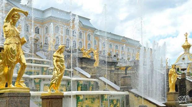 В фонтаны Петербурга вольют более 10 млн