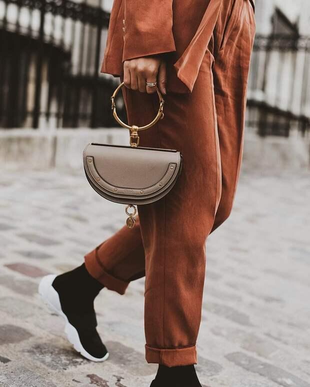 5 модных цветов и форм сумок, которые превратят каждую в икону стиля