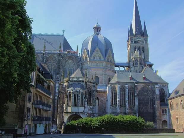 Ахенский собор. Фотография с Википедии