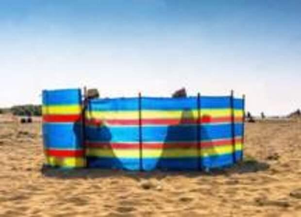 Как безопасно загорать на пляже в период и после пандемии коронавируса