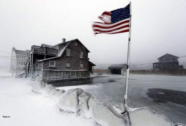 «Ненастоящий» снег в Техас вызвал бурную реакцию у американцев