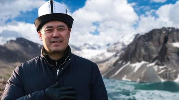 Президент Киргизии Жапаров одобрил новую редакцию конституции страны
