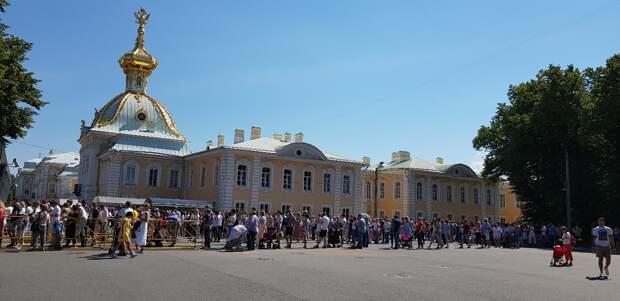 В музеях Санкт-Петербурга раскупили все билеты на ближайшие дни