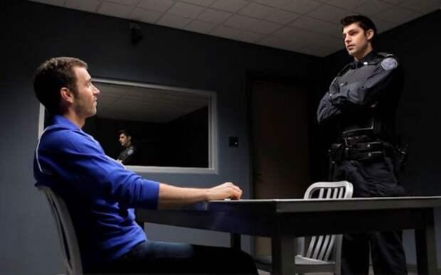 Полицейский допрос./Фото: ic.pics.livejournal.com