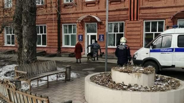 """В Томске реготделение """"Единой России"""" эвакуировали из-за сообщения о бомбе"""