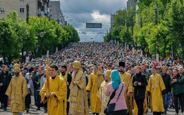 В центре Москвы начнутся ежедневные крестные ходы против коронавируса