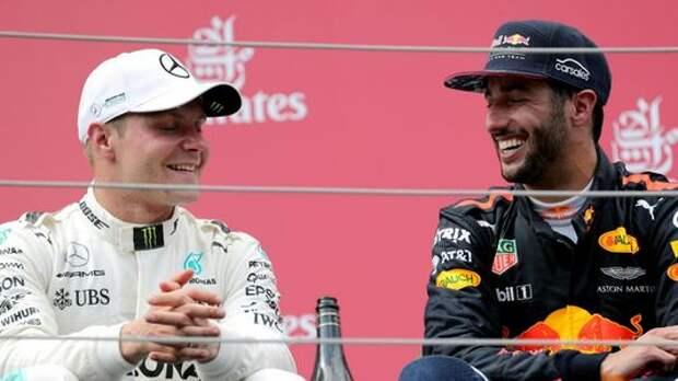 Формула 1: Боттас отказался пить шампанское из ботинка