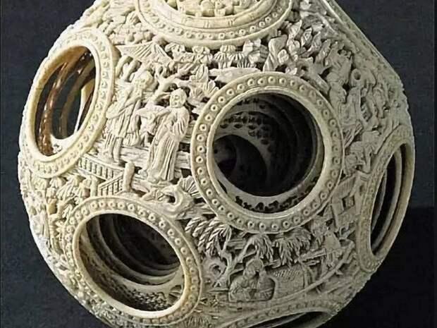 Древние артефакты поразительной красоты и симметрии.