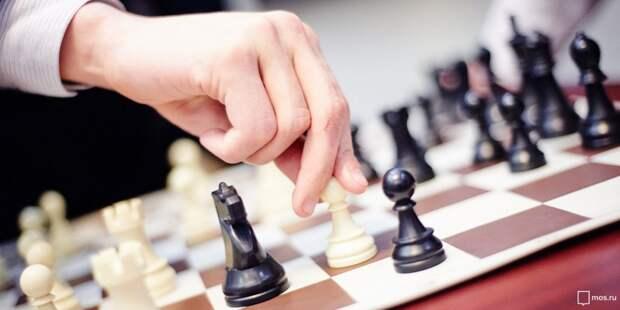 Занятия по шахматам в школе Лосинки будет вести тренер международного класса