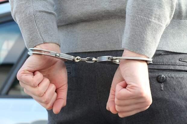 Полицейские задержали на Душинской любителя запрещенных веществ