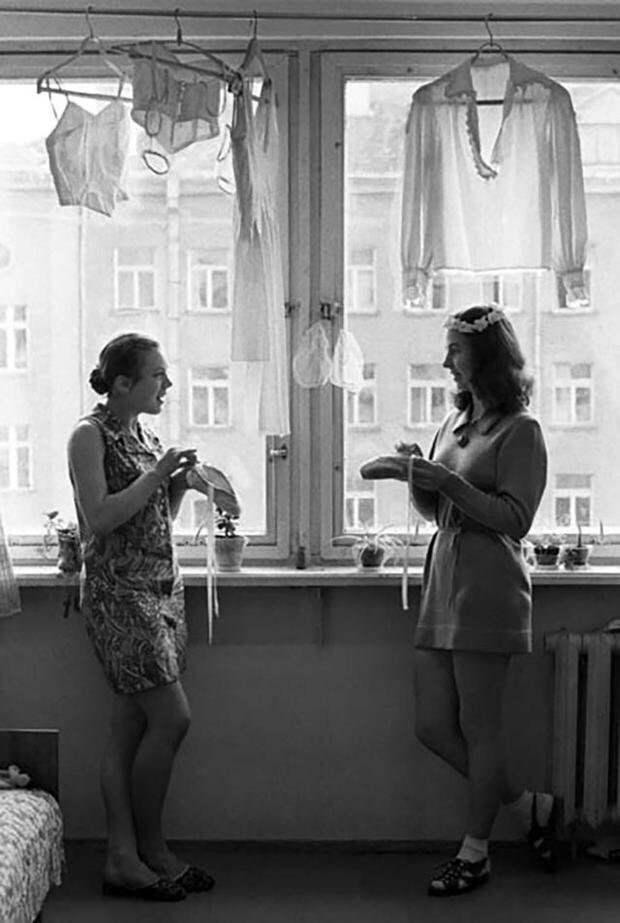 Теснота - друг молодежи девушки, интересно, ностальгия, общежития ссср, студенчество, фото