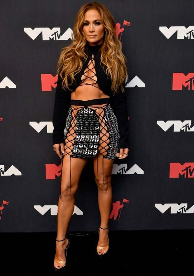 3/32 Jennifer Lopez in David KomaImage: Noam Galai/MTV VMAs 2021/Getty Images for MTV/ViacomCBS
